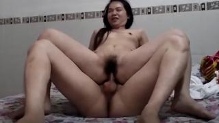 Vô cùng thỏa mãn khi được làm tình với gái dâm